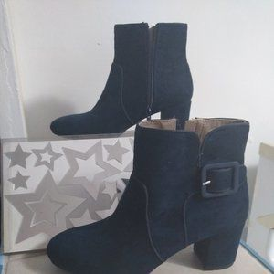 WHITE MOUTAIN BLUE SUED ANKLE BOOTS